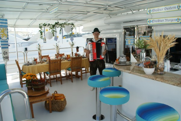 A German theme! From the 2nd Annual Perfect Setting Tabletop Challenge (2009) presented by Yacht Next at the Fort Lauderdale Boat Show. Photo credit: Suki Finnerty of YachtingToday.TV.