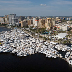 Palm Beach International Boat Show - Work on a Yacht - Show Management
